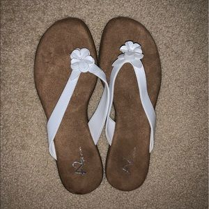 Women's White Aerosoles Sandals